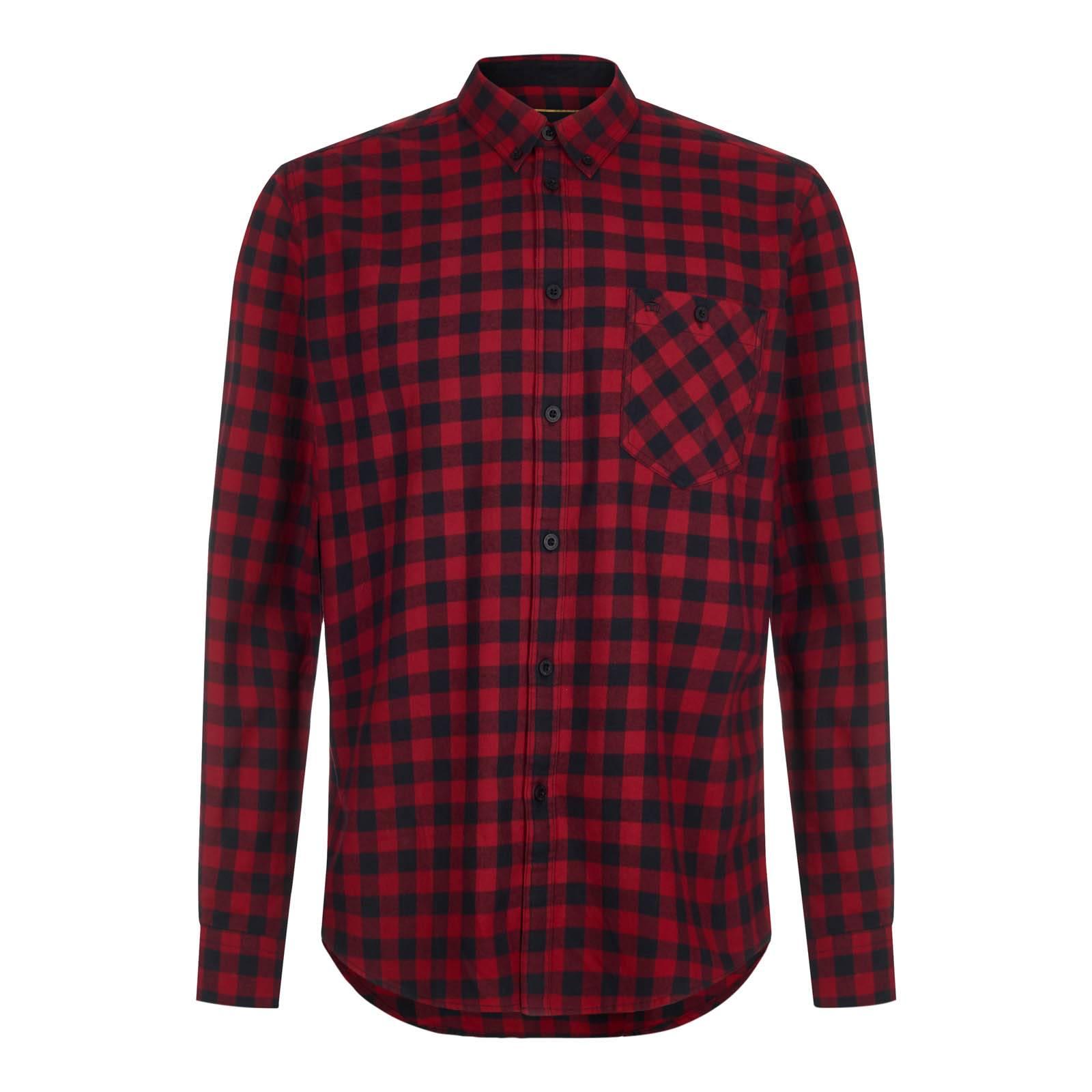 Рубашка FoxhillСлайдер на главной<br>Мужская приталенная рубашка из высококачественного хлопчатобумажного твила – ворсистой, мягкой на ощупь, прочной и долговечной ткани, выработанной саржевым (диагональным) переплетением нитей. Сочетание традиционного для британских сорочек button-down воротника на пуговицах с крупным клетчатым узором, представляющим собой нечто среднее между английской клеткой gingham и американской lumberjack plaid или иначе buffalo check (изначально  — фамильный тартан старейшего шотландского королевского клана МакГрегоров, чьи потомки перебрались за океан и в XVIII веке популяризировали этот орнамент в США), служит своего рода примирением мод-стиля с популярной сегодня модой «городских лесорубов». Благодаря удлиненной спинке не выправляется из джинсов. Также носится навыпуск с чиносами или шортами. Хорошо сочетается с парками. Брендирована вышивкой фирменного логотипа Корона на нагрудном кармане.<br><br>Артикул: 1516212<br>Материал: 100% хлопок<br>Цвет: красный с черным<br>Пол: Мужской