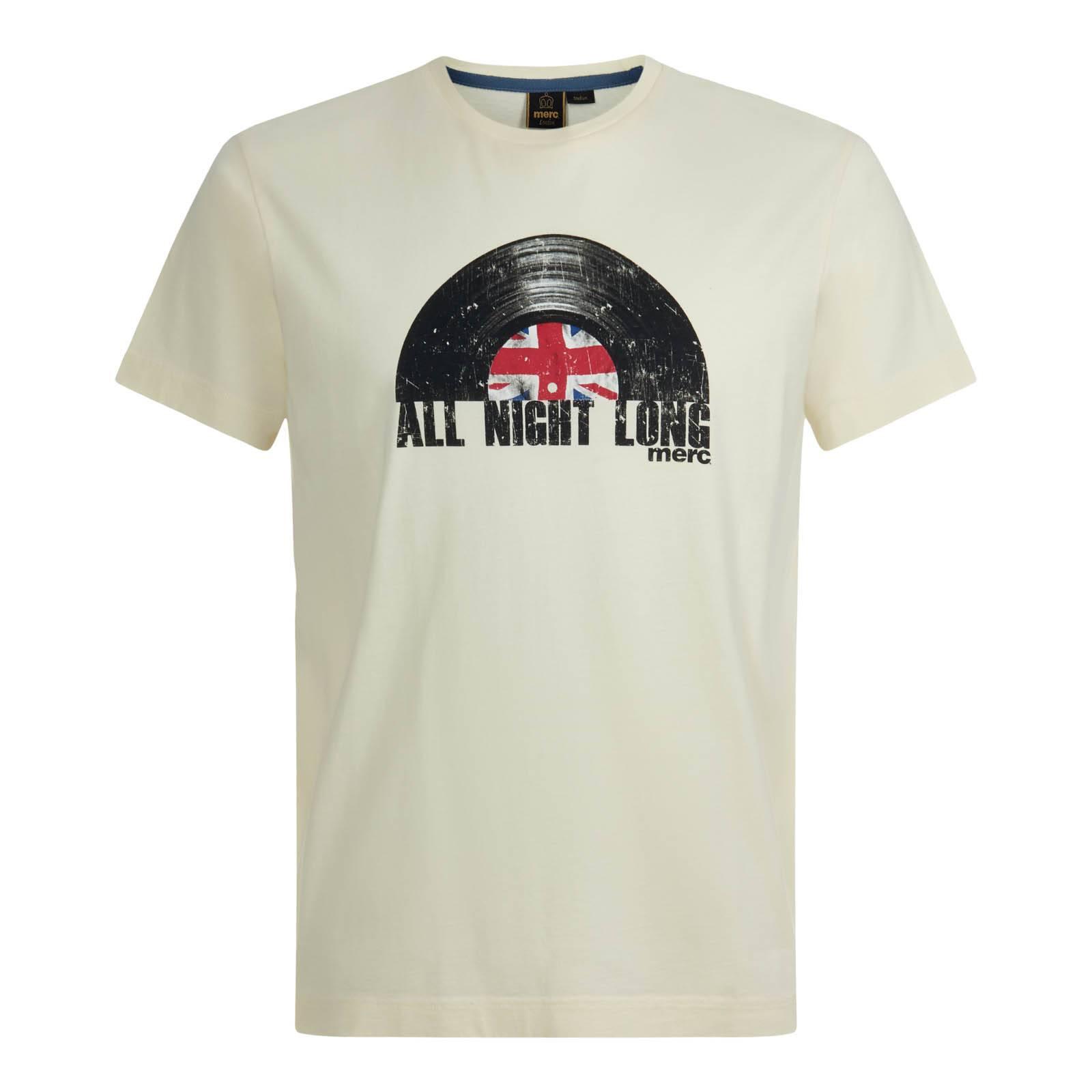 Футболка MickletonФутболки<br>Из легко и мягкого высококачественного хлопка, эта мужская футболка с круглым воротом имеет свободный покрой и декорирована винтажным принтом, символизирующим связь бренда с британской музыкальной культурой от психоделического рока Свингующих Шестидесятых до Mod revival, брит-попа и северного соула наших дней.  Как всегда эффектный Union Jack будет красиво сочетаться с олимпийками и выглядывать из расстегнутого Харрингтона.<br><br>Артикул: 1716206<br>Материал: None<br>Цвет: винтажный белый<br>Пол: Мужской