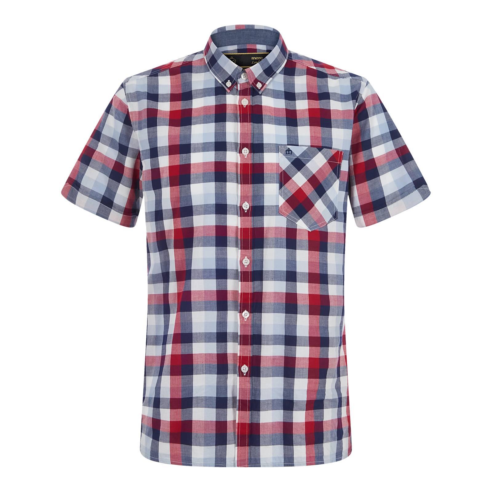 Рубашка AshfordButton Down<br>Мужская рубашка с коротким рукавом, пошитая из тонкого сорочечного хлопка, – первоклассной «дышащей» ткани (легкой, но при этом очень прочной), долговечной, немнущейся и неприхотливой в уходе. Крупный клетчатый узор, выполненный в приятной и сбалансированной цветовой гамме, навеян тенденциями современной моды и выглядит весьма актуально. Фирменный для бренда button-down воротник на пуговицах имеет аккуратный фасон и хорошо сочетается с легким трикотажем, весенними парками, ветровками и Харрингтоном. Рукава рубашки немного заужены для прилегания. Её можно носить как с кроссовками, так и с относительно строгой обувью, например, лоферами или топсайдерами, комбинируя с чиносами или шортами; брюками Sta-Prest или джинсами; хипстерским рюкзаком или ретро сумкой через плечо. Брендирована логотипом Корона на нагрудном кармане.<br><br>Артикул: 1517112<br>Материал: 100% хлопок<br>Цвет: красный с синим и голубым<br>Пол: Мужской