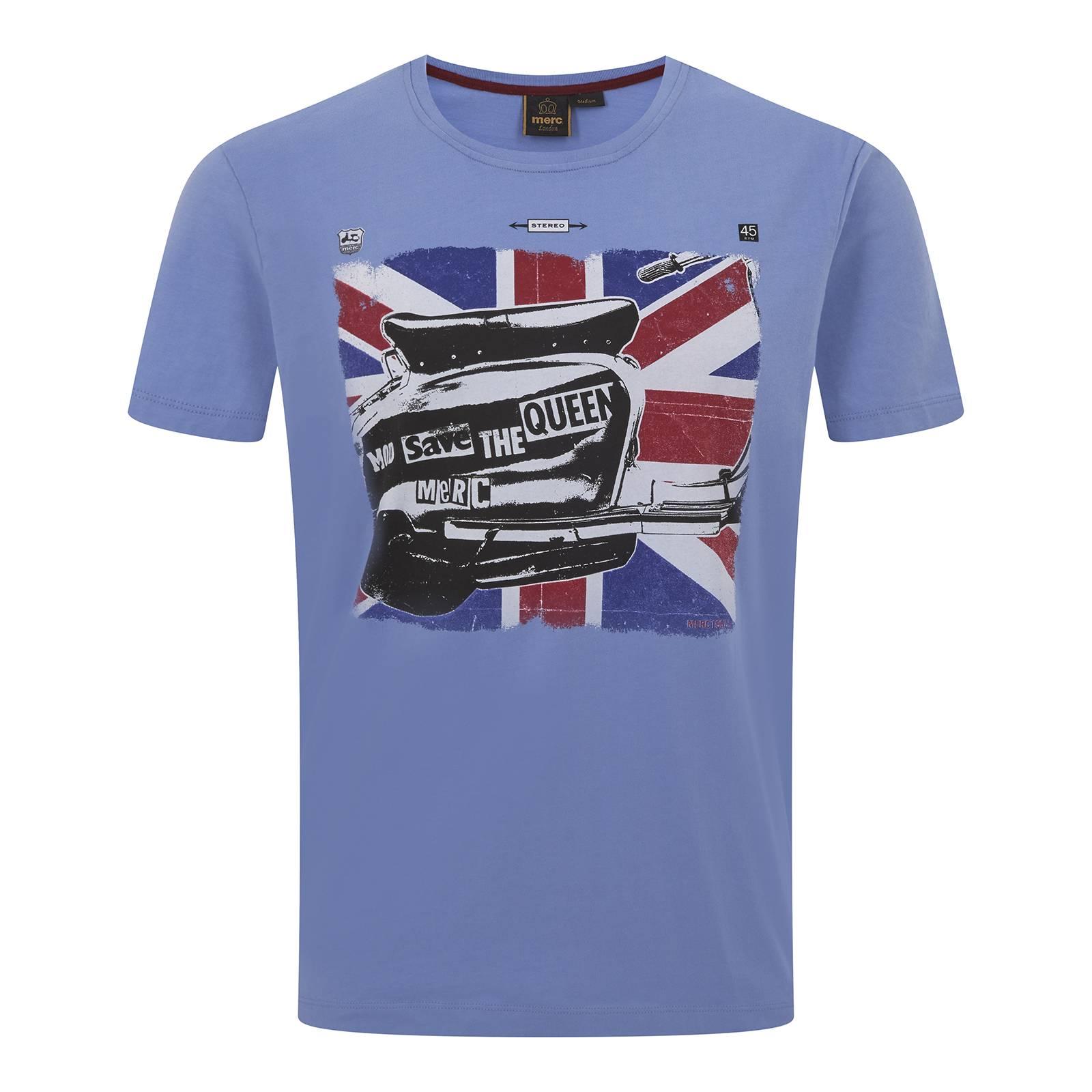 Футболка WennerФутболки<br>Классического покроя (Regular Fit) мужская футболка с коротким рукавом и круглым воротом, пошитая из высококачественной, легкой и мягкой хлопковой ткани Джерси. Украшена эффектным клипарт рисунком скутера на фоне Юнион Джека, выполненным по мотивам сингла легендарной английской панк-рок группы Sex Pistols «God Save the Queen». Дополнительный декоративный элемент – контрастная однополосная прострочка боковых швов от подмышек, красиво гармонирующая с красным цветом британского флага.<br><br>Артикул: 1716102<br>Материал: 100% хлопок<br>Цвет: голубой<br>Пол: Мужской