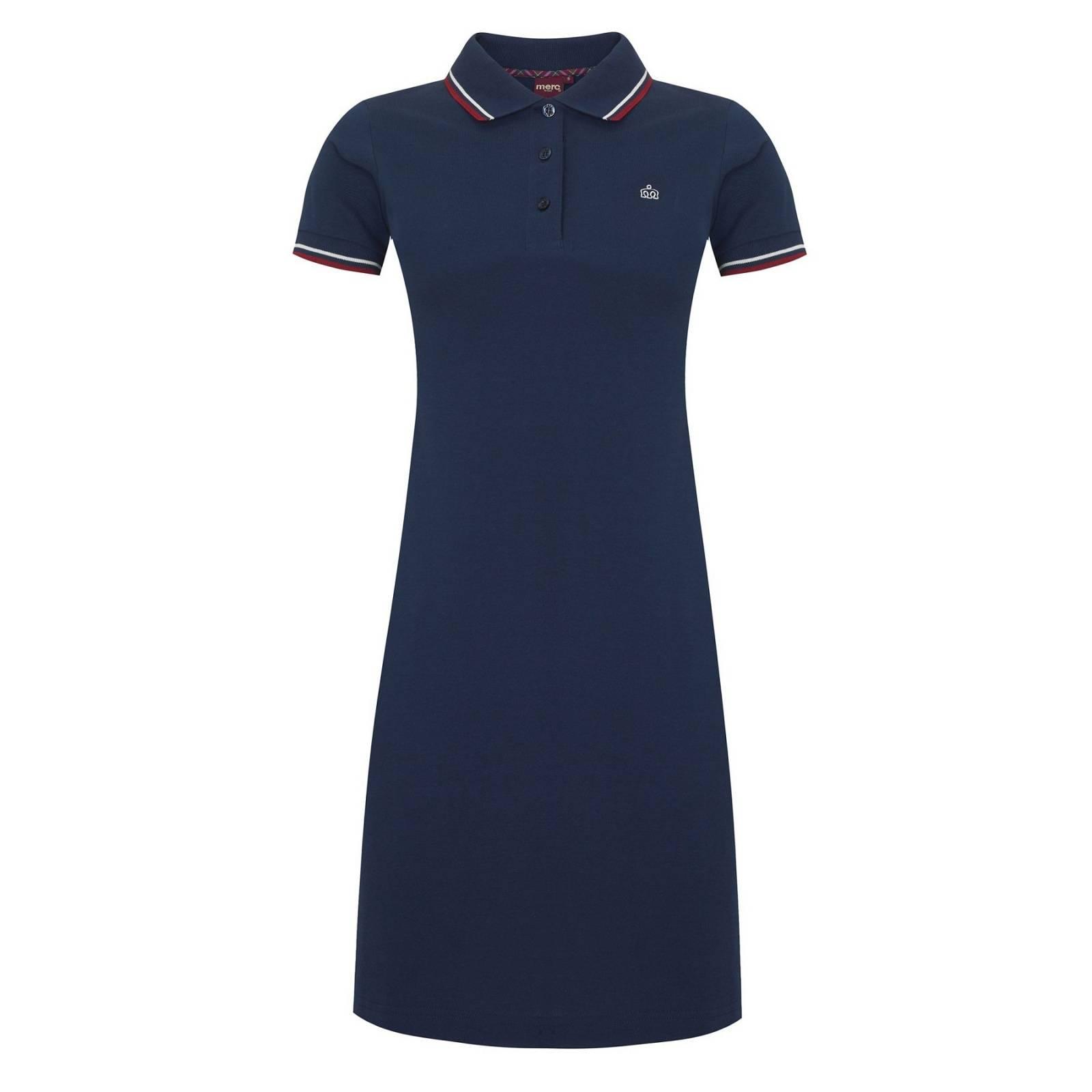 Платье-поло KaraЖенское<br>Облегающее женское платье в духе теннисной моды, произведенное из плотной текстурированной хлопковой ткани пике. Классический отложной воротник и манжеты, выполненные стягивающей трикотажной резинкой, украшены традиционным двухполосным кантом в ретро стиле. Брендирована контрастной вышивкой фирменного лого на груди. Аккуратный силуэт, правильная форма, лаконичный и узнаваемый sporty дизайн привнесут легкость и динамику в повседневный гардероб на пару с кедами, кроссовками или балетками.<br><br>Артикул: 2911101<br>Материал: 100% хлопок<br>Цвет: синий<br>Пол: Мужской