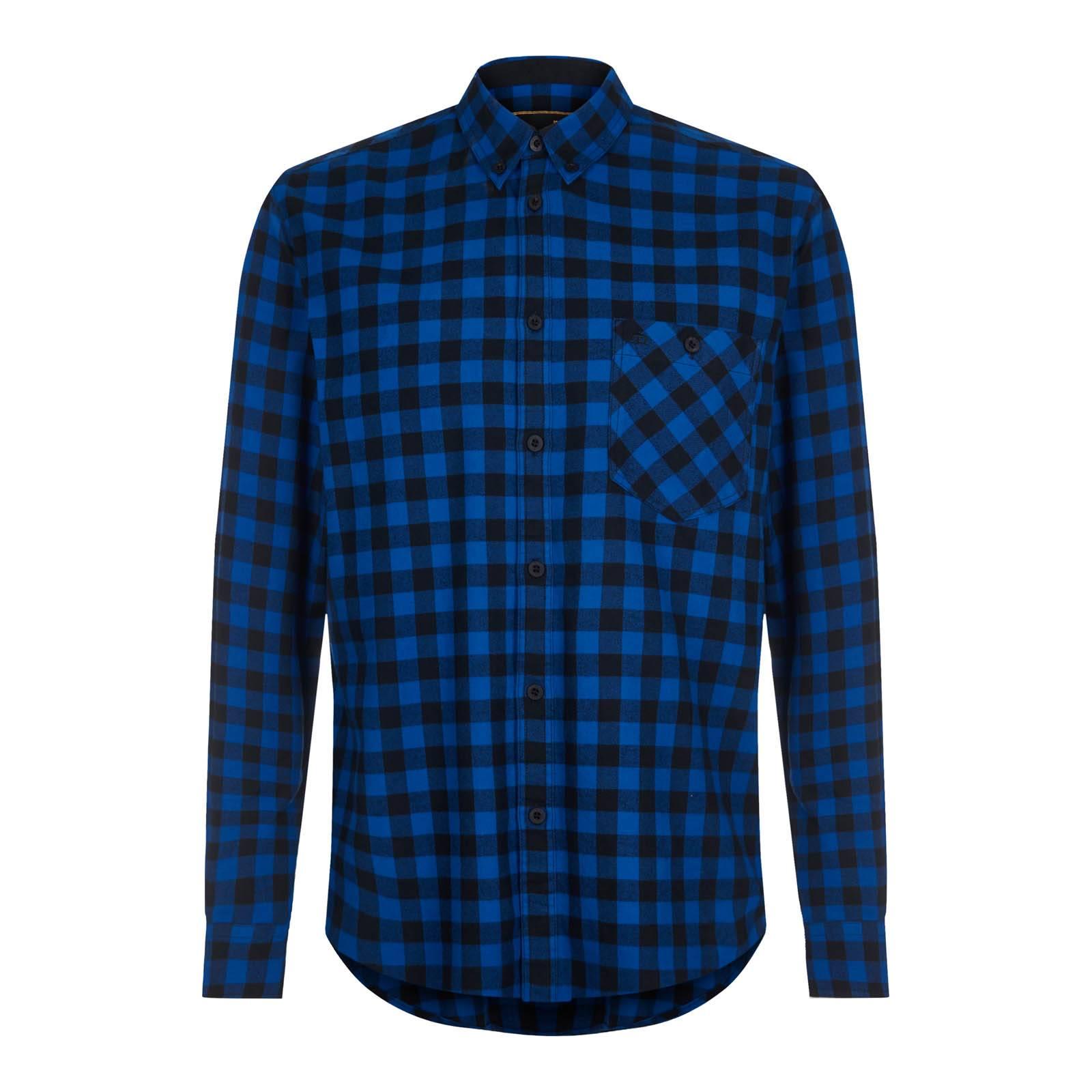 Рубашка FoxhillСлайдер на главной<br>Мужская приталенная рубашка из высококачественного хлопчатобумажного твила – ворсистой, мягкой на ощупь, прочной и долговечной ткани, выработанной саржевым (диагональным) переплетением нитей. Сочетание традиционного для британских сорочек button-down воротника на пуговицах с крупным клетчатым узором, представляющим собой нечто среднее между английской клеткой gingham и американской lumberjack plaid или иначе buffalo check (изначально  — фамильный тартан старейшего шотландского королевского клана МакГрегоров, чьи потомки перебрались за океан и в XVIII веке популяризировали этот орнамент в США), служит своего рода примирением мод-стиля с популярной сегодня модой «городских лесорубов». Благодаря удлиненной спинке не выправляется из джинсов. Также носится навыпуск с чиносами или шортами. Хорошо сочетается с парками. Брендирована вышивкой фирменного логотипа Корона на нагрудном кармане.<br><br>Артикул: 1516212<br>Материал: 100% хлопок<br>Цвет: синий<br>Пол: Мужской