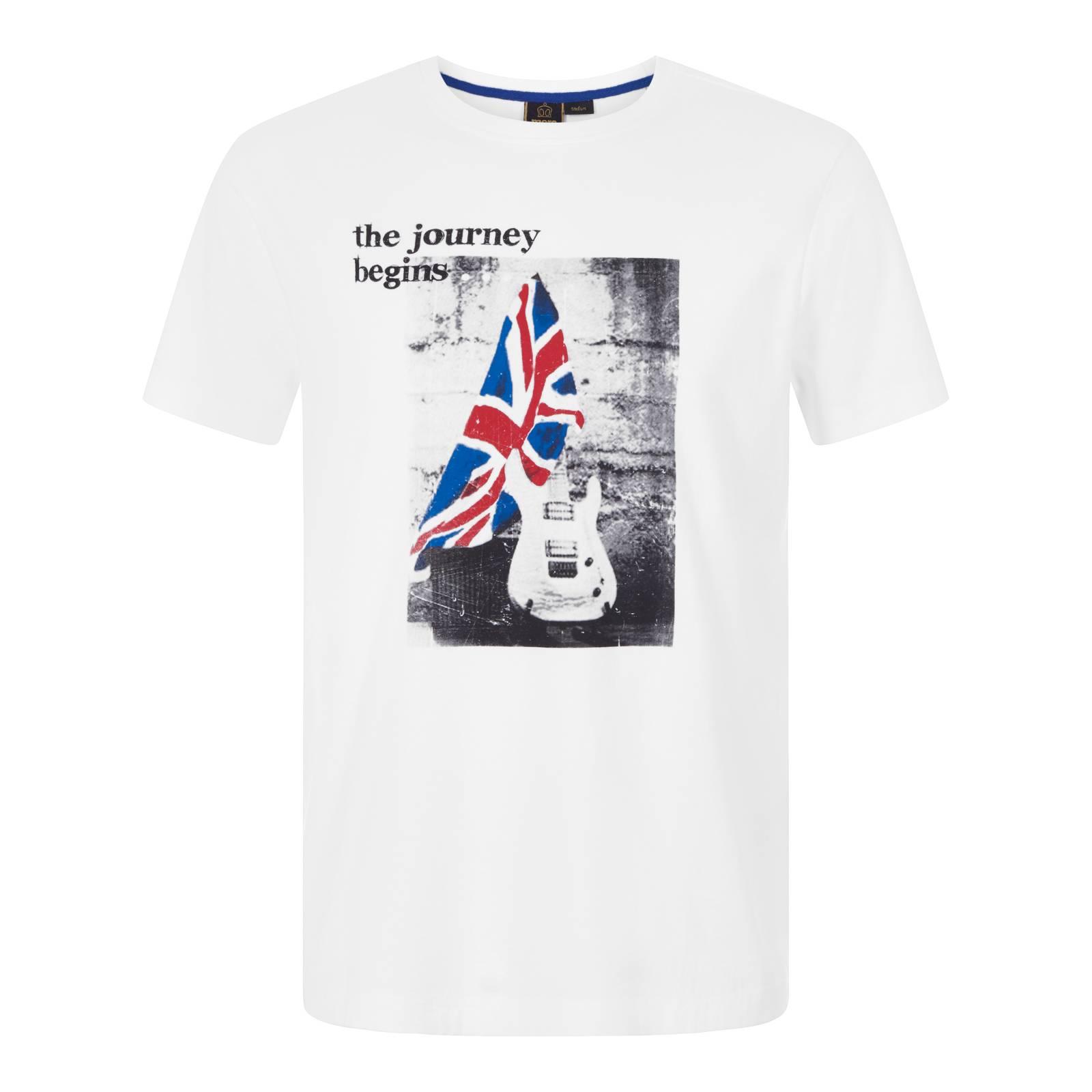 Футболка SolwayСлайдер на главной<br>Регулярного покроя мужская хлопковая футболка из легкой высококачественной ткани Джерси. Эффектный, устойчивый к истиранию принт символизирует британскую идентичность марки и её историческую связь с легендарной музыкальной сценой эпохи Свингующих Шестидесятых.<br><br>Артикул: 1717104<br>Материал: 100% хлопок<br>Цвет: белый<br>Пол: Мужской