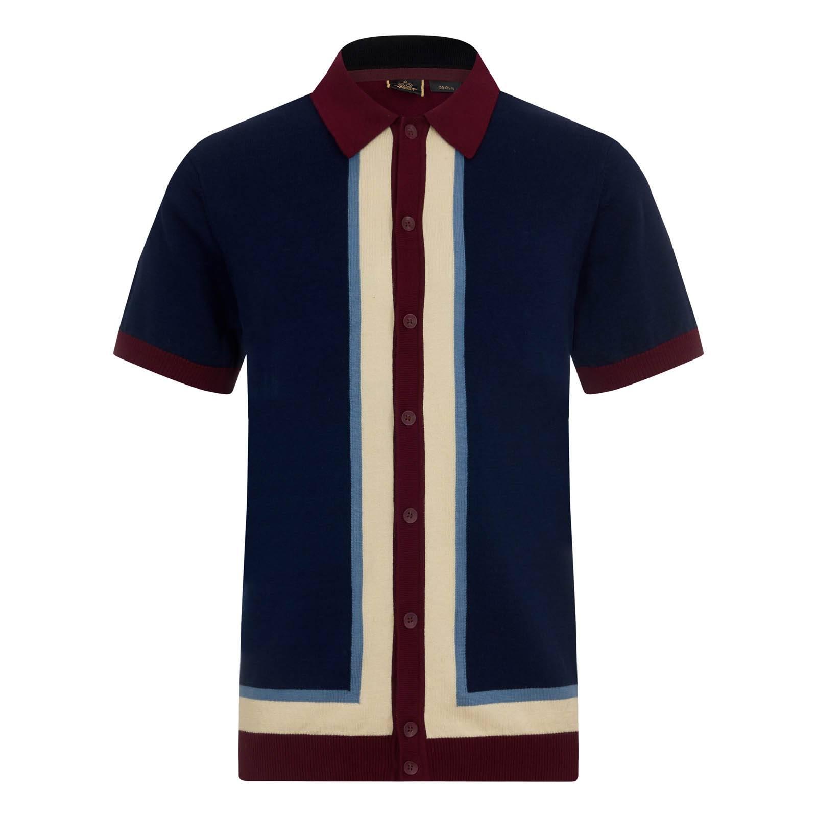 Трикотажное Поло RainhamТрикотажные<br>Гордость и украшение уникальной исторической линии вязаных рубашек поло Merc, это мужское трикотажное ретро поло на пуговицах является безупречным образцом британского стиля Свингующих 60-х. Крайне эффектный геометрический дизайн, напоминающий зеркально расположенные латинские буквы «L», построен на основе гармоничного цветового контраста. Облегающие манжеты и низ изделия выполнены трикотажным ластиком, имеющим свойства резинки, благодаря чему достигается приталенный силуэт и посадка по фигуре. Брендирована фирменным логотипом Корона, вышитым на левом рукаве. Это поло можно носить с брюками Sta-Prest, чиносами, шортами или джинсами, сочетая с Харрингтоном, Monkey Jacket, кэжуальными кедами, обувью Desert Boot или Челси.<br><br>Артикул: 1616203<br>Материал: 100% хлопок<br>Цвет: синий<br>Пол: Мужской